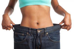 Consumul de apă poate stimula pierderea în greutate