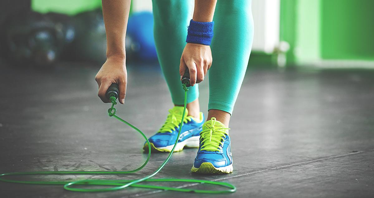 sărind să ajute la pierderea în greutate