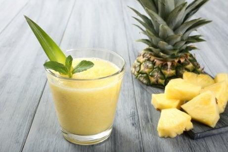 Tăiați o băutură sănătoasă pentru pierderea în greutate mama