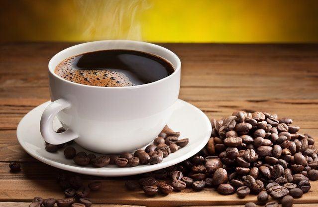 Ardeți grăsimea inferioară a corpului - Cafea neagră arde grăsime