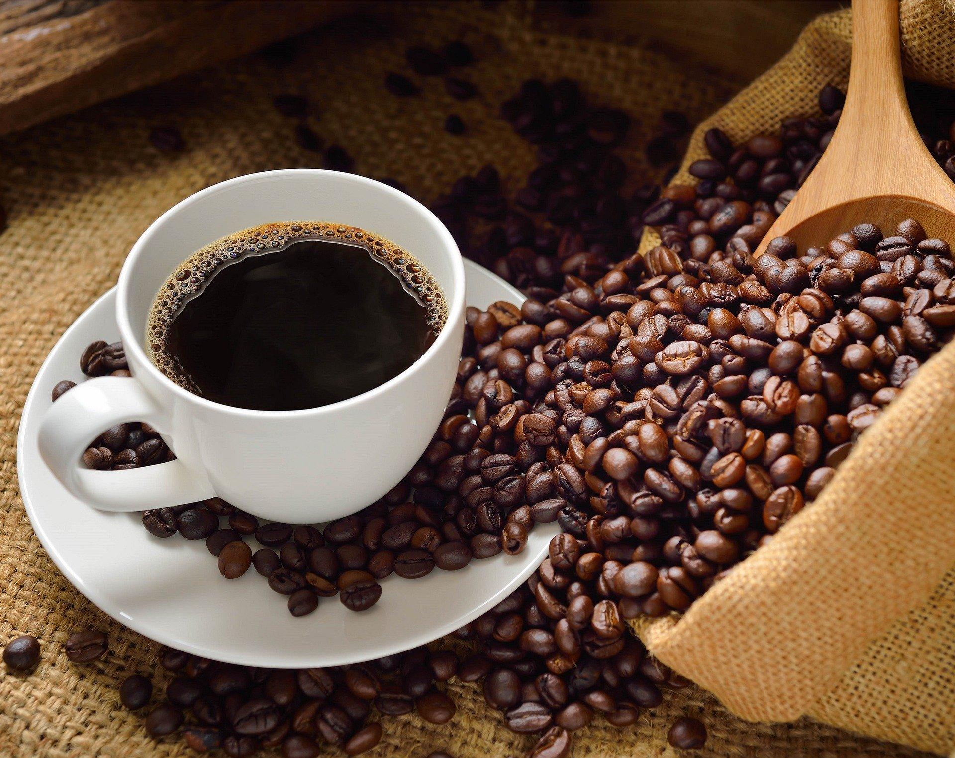 ajută la cafeaua neagră pentru pierderea în greutate